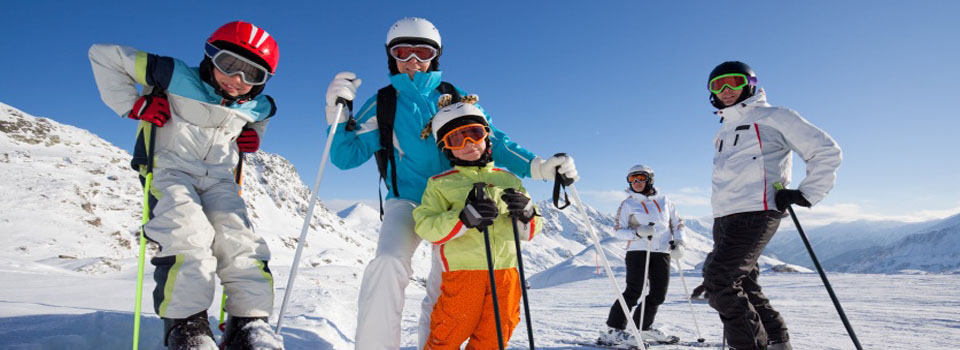 family-skiing